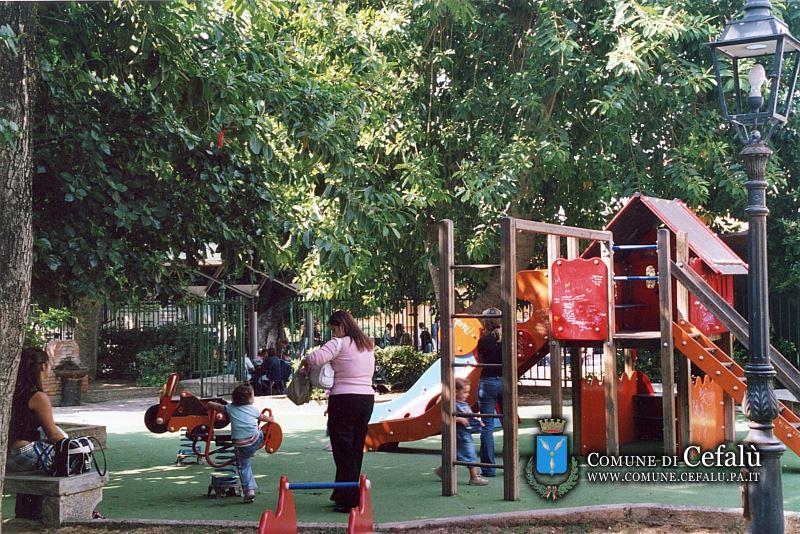 villa comunale parco giochi cefalù